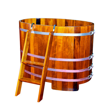 wood soaking tub